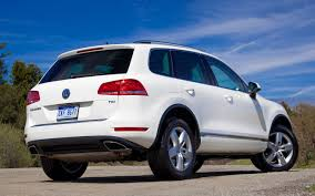 volkswagen jeep touareg 2013 2014 model year diesel suvs by the numbers truck trend