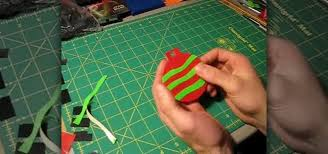 how to make ornaments out of multicolored duct