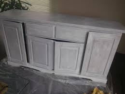 repeindre une table de cuisine en bois peindre meuble en bois idées décoration intérieure