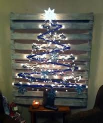 pallet christmas tree diy christmas trees and decorations from our readers living the