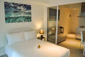 1 bedroom rentals book taguig vacation rentals apartments on travelmob