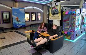 south florida theaters lure moviegoers with king size seating
