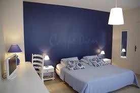 chambres bleues mur bleu marine simple amenager un salon scandinave canap mur