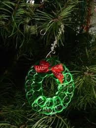 soda top wreath ornament this would be a craft