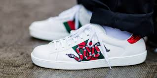 10 best white sneakers for men in 2018 10 white shoes to wear