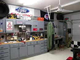 Cool Home Garages by Pictures Of A Man Cave Garages The Best Cave