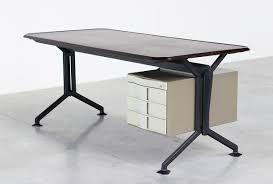 Kleiner Schreibtisch Modern Arco Schreibtisch Von Studio Bbpr Für Olivetti 1963 Bei Pamono Kaufen