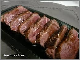 cuisiner un filet de canard magret de canard poêlé sauce au xérès et au miel stram gram