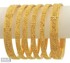 gold bangle bracelet sets images Pin by prachi desai on gold jewellery pinterest gold jewellery jpg