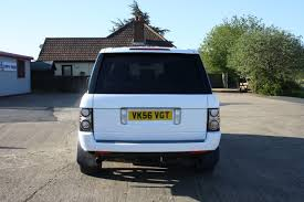 wrapped range rover range rover vogue 4 2l v8 supercharged white wrap 06 ambient
