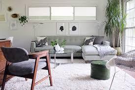 WhiteshagrugFamilyRoomMidcenturywithbertoiachairblackand - Black and white family room
