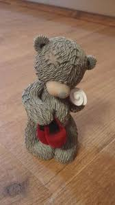 me to you tatty teddy with a present figurine ornament in box