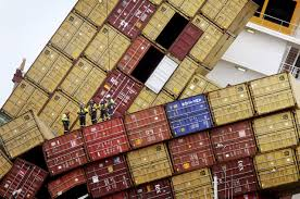 shipping containers lost at sea and the search for flight 370