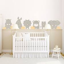 chambre enfant beige stickers chambre bébé sur le thème de la jungle en 22 idées