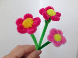 how to make a little pipe cleaner flower souvenirs pinterest