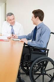 sexe au bureau employé de bureau de sexe masculin handicapé image stock image du