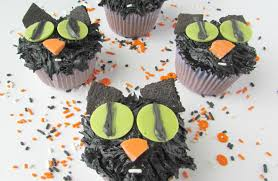 halloween cat cakes black cat cupcakes val event gal