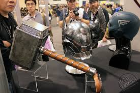 marvel how much would thor s hammer mjolnir weigh science