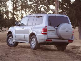 mitsubishi montero 2004 picture 3 of 4