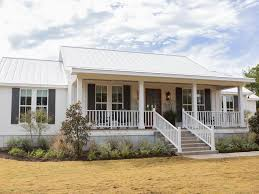 Colonial House With Farmers Porch Fixer Upper The Colossal Crawford Reno Hgtv U0027s Fixer Upper With