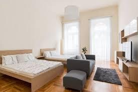 3 bedroom 2 bathroom spacious 3 bedroom 2 bathroom apartment for 6 8 in central