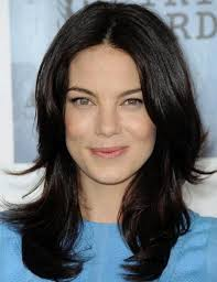 hairstyles that compliment a long face hairstyles that flatter your face michelle monaghan face and