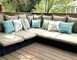 coussin pour canapé gris fabriquer des coussins pour salon de jardin coussin canape exterieur