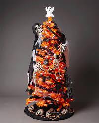 that u0027s no christmas tree u2013it u0027s a halloween tree cetusnews