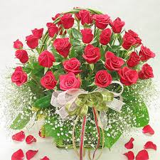 Valentine Flowers Valentine Gifts For India Valentine Roses And Hearts Beautiful