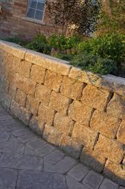 Unilock Walls Roman Pisa Garden Wall With Stonehenge Paver By Unilock Photos