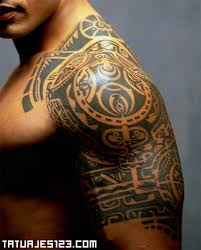 polynesien tribal quarter sleeve tattoo for men