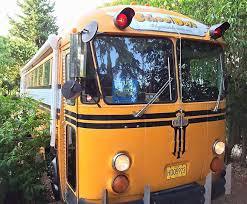 chambres d hotes originales chambre hébergement insolite originale schoolbus crown