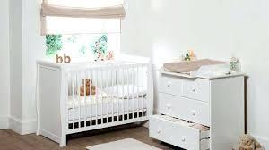 idee chambre bébé amenagement chambre bebe petit espace cuisine grise et bois idee