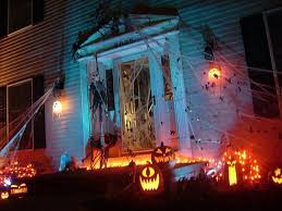 homes decorated for halloween 13 halloween front yard decoration ideas