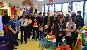 tangerines spread christmas cheer in children u0027s ward blackpool