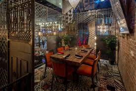 Chandelier Room 14 Great Dining Spaces At Chicago Restaurants Mapped