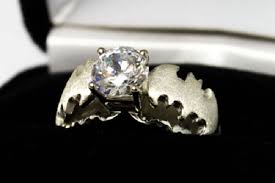 batman wedding bands a batman themed engagement ring other geeky rings pic