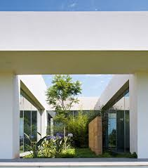 Interior Garden House Minimialist House Blends Easily With Natural Surroundings