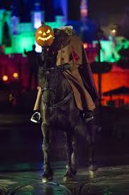headless horseman arrives at disneyland for mickey u0027s halloween party