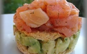 cuisiner saumon fumé recette millefeuille de saumon fumé et avocat 750g