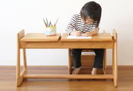 table bureau enfant bureau en bois pour enfant bureau ordinateur design lepolyglotte