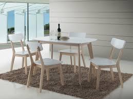chaises cuisine blanches chaise cuisine contemporaine le monde de léa
