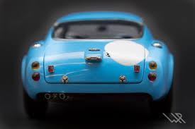 cmc m 140 aston martin db4 gt zagato racing version blue 1961