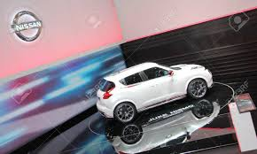nissan juke white geneva march 16 white nissan juke nismo on display at the