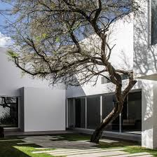 what is a courtyard house design and architecture in mexico dezeen