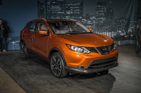 nissan rogue vs toyota rav4 2017 styling size up 2017 nissan rogue sport vs the competition