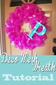 geo mesh wreath deco mesh wreath tutorial clumsy crafter