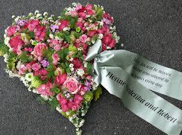 trauersprüche für kränze die besten 25 trauerkranz ideen auf kranz beerdigung
