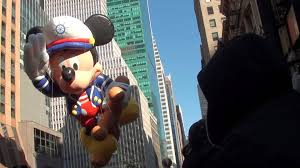 thanksgiving mickey mouse 11 24 11 macy u0027s thanksgiving parade mickey mouse balloon kung