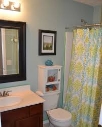 uncategorized best 25 college apartment bathroom ideas only on